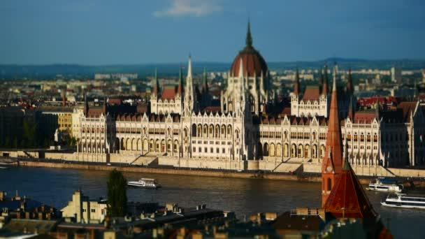 Duna és az Országház, Budapest, Magyarország