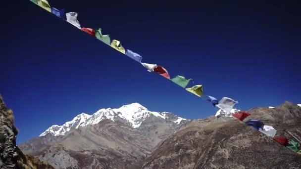 Gebetsfahnen im Himalaya-Gebirge, Annapurna-Region, Nepal