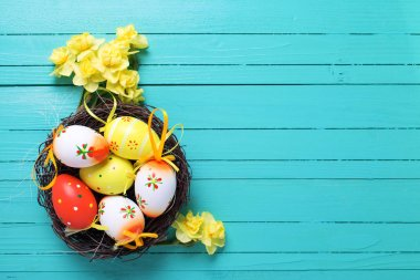 Decorative eggs and flowers for Easter