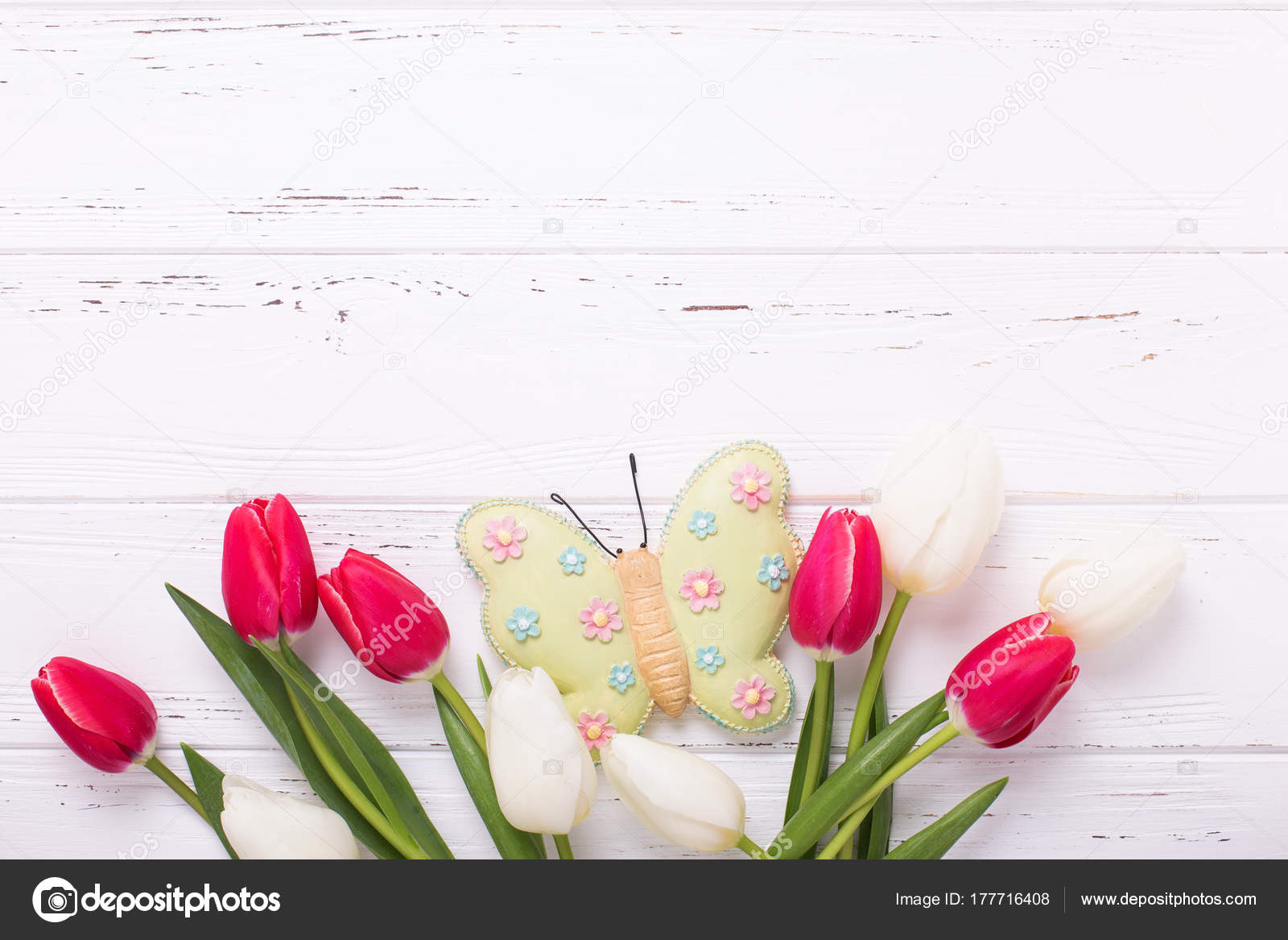 Fondos De Pantalla Rosa Rosa Flores Fondo De Madera: Flores De Tulipán En Fondo De Pantalla De Madera