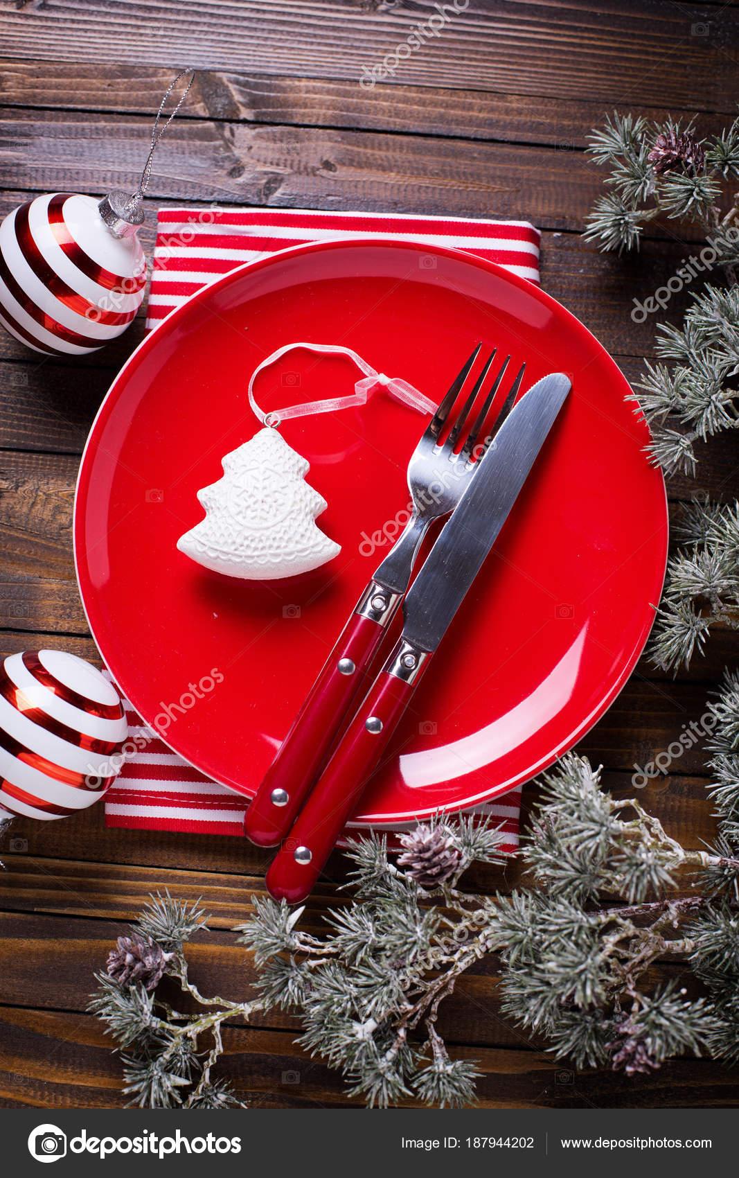 Roter Teller Messer Und Gabel Serviette Und Weihnachten Dekorationen