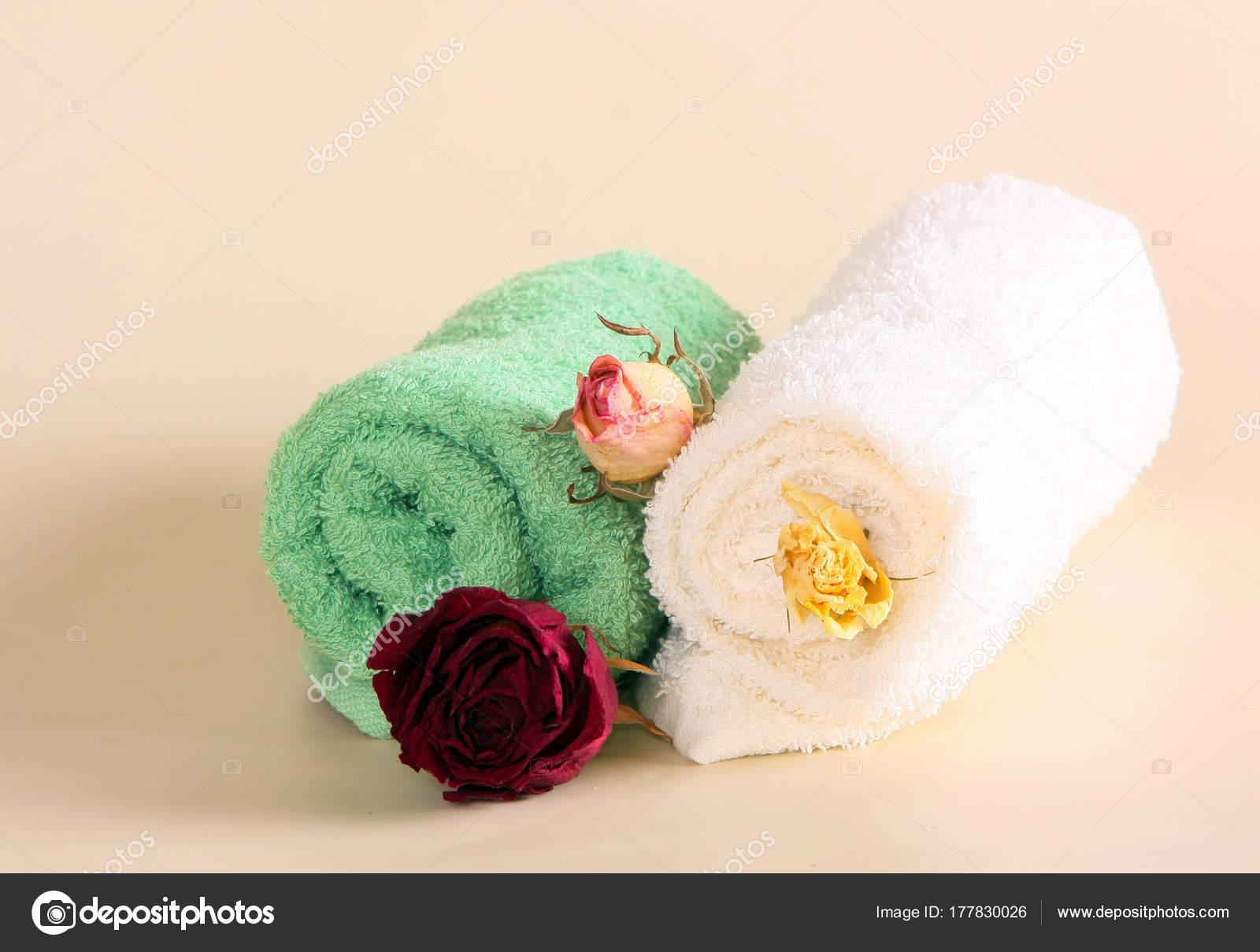 Frotteetuch Mit Trockenen Rosen Dekoration Des Spa Salon Persönliche ...