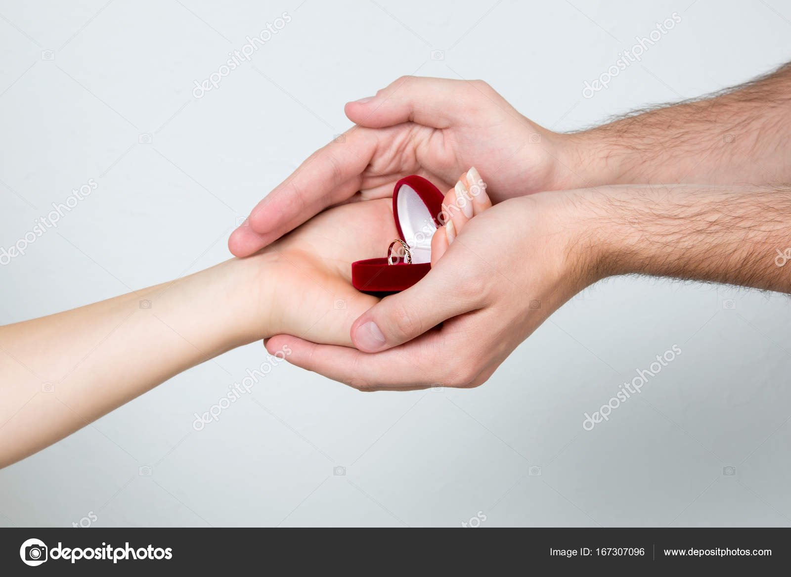 female and male hands holding the ring box — Stock Photo ...