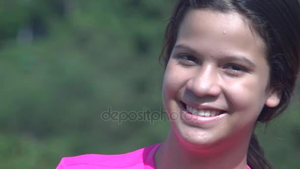 Usmíval se šťastný dospívající dívka