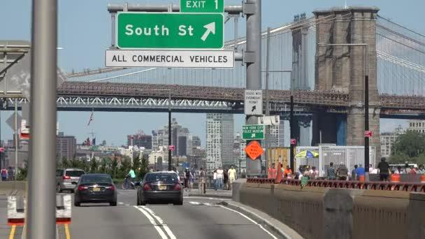 Forgalom Brooklyn és a Manhattan-híd közelében