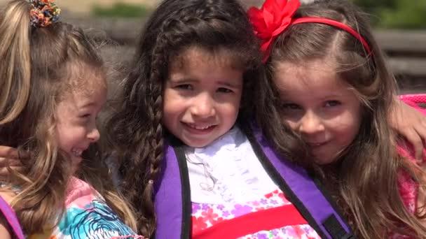 Iskolás gyermekek óvodai lányok