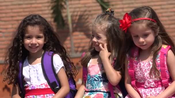 Mladé dívky předškolní děti