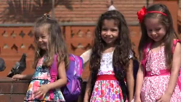 Školní děti dívky baví