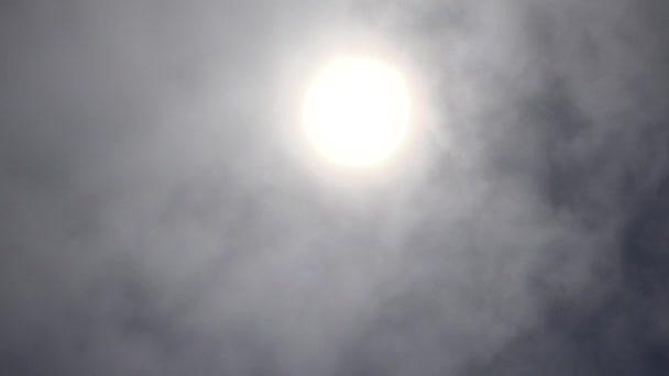 Mennyei felhők és a nap
