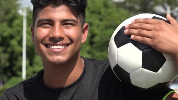 S úsměvem sportovní Teen mužské fotbalista