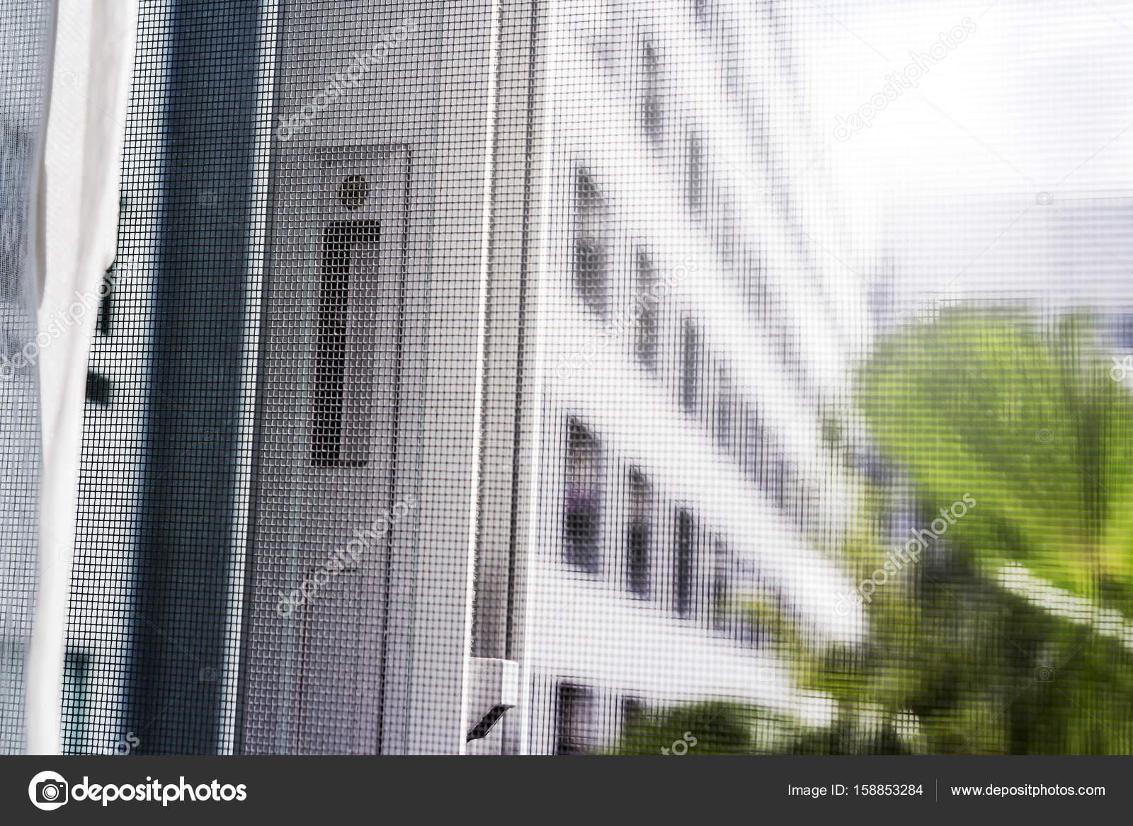 Aluminium schuifdeuren venster met het scherm van de draad van de ...