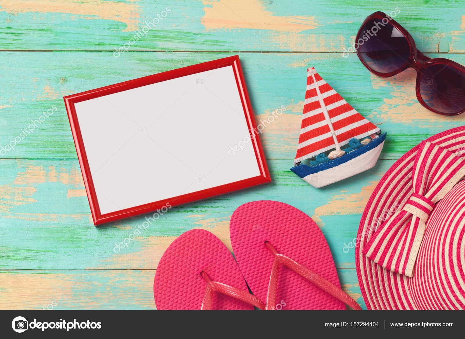 Hintergrund mit Bilderrahmen, Flip flops — Stockfoto © maglara ...