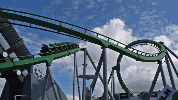 Orlando, Florida. 6. března2019. Lidé baví úžasné Neuvěřitelné Hulk horská dráha na Univerzálních ostrovech dobrodružství 1