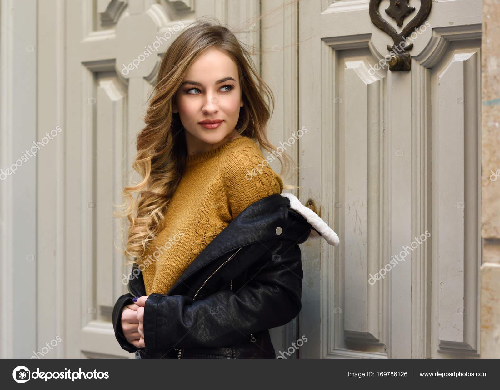 Javiindy — Russe Contexte Urbain En Blonde Belle Femme Photographie yvgYI7bf6m