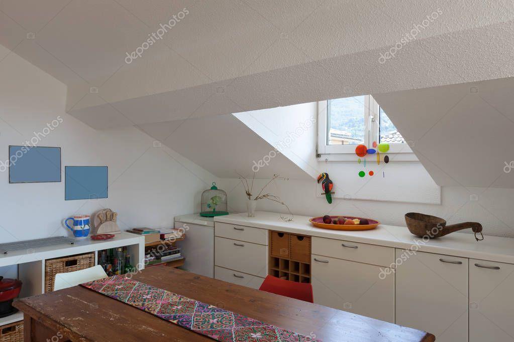 Keuken oude houten eettafel u2014 stockfoto © zveiger #130042342