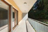 Slunná terasa bytového domu