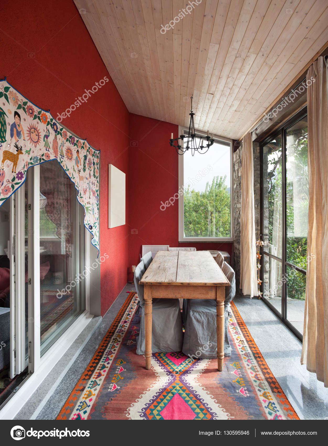 veranda interieur a manger photo Intérieur, véranda avec table à manger ancienneu2013 images de stock libres de  droits