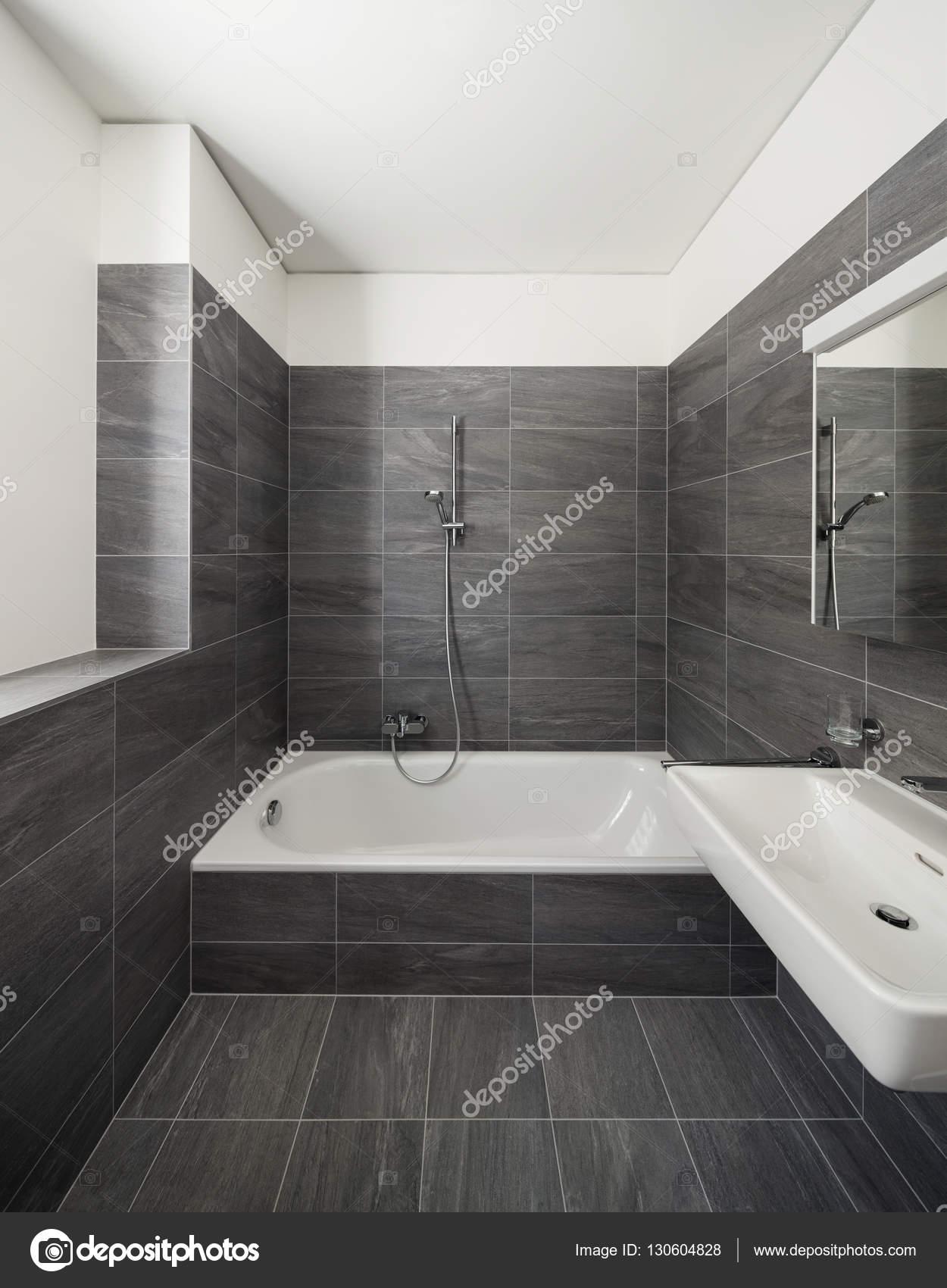 https://st3.depositphotos.com/2018053/13060/i/1600/depositphotos_130604828-stockafbeelding-interieur-van-een-modern-huis.jpg