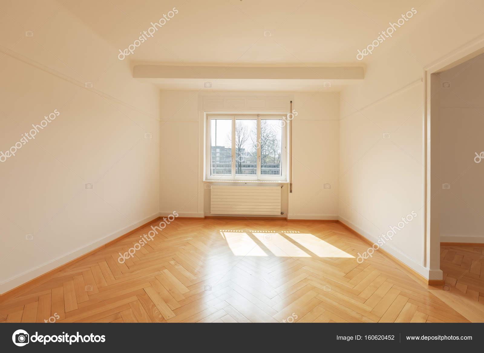 Modernes Zimmer mit Parkettboden — Stockfoto © Zveiger #160620452