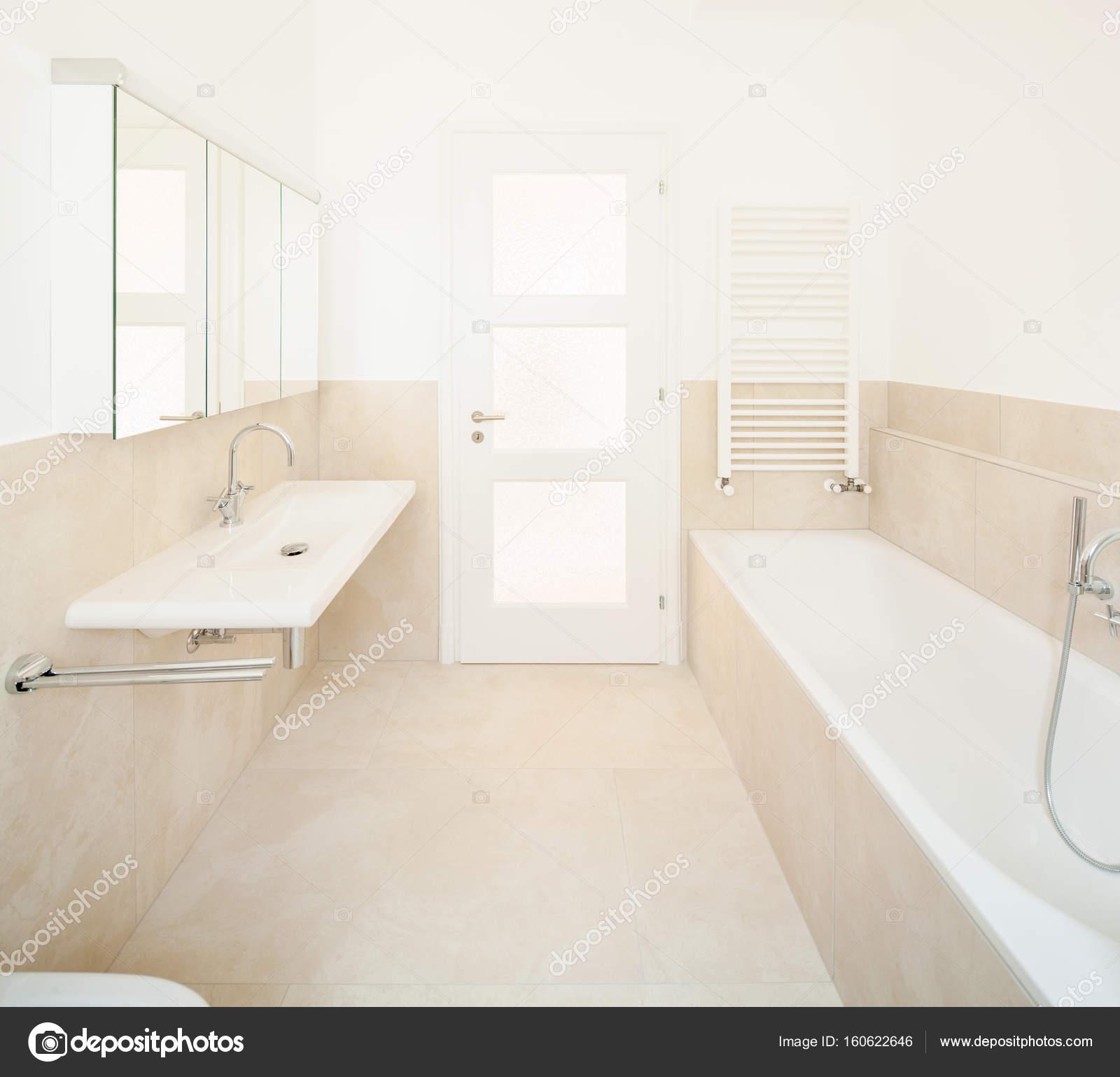 Weißer Marmor-Badezimmer — Stockfoto © Zveiger #160622646