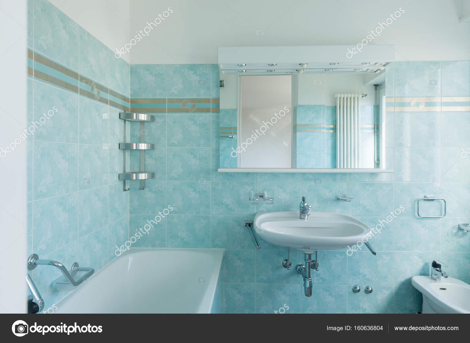 Stunning salle de bain vintage bleu images awesome - Salle de bain retro ...