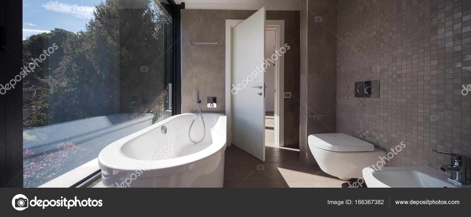 Nowoczesne łazienki W Domu Zdjęcie Stockowe Zveiger