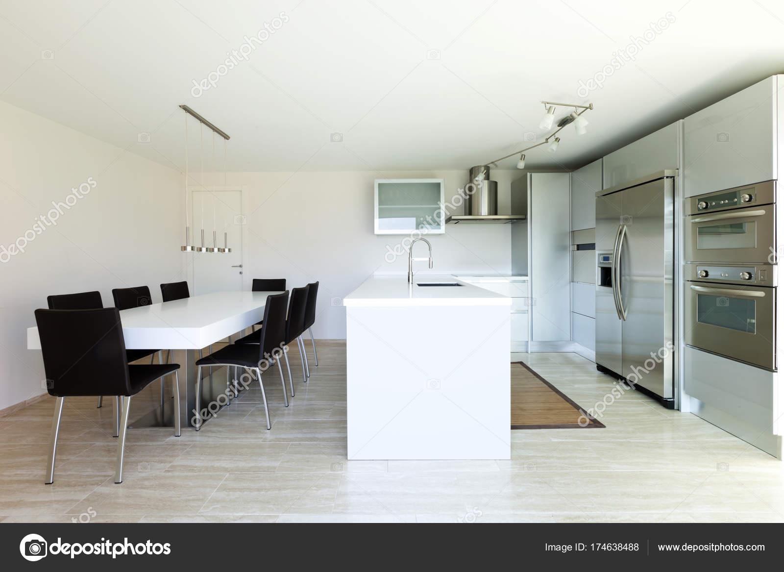 Interieur van modern huis niemand u stockfoto zveiger