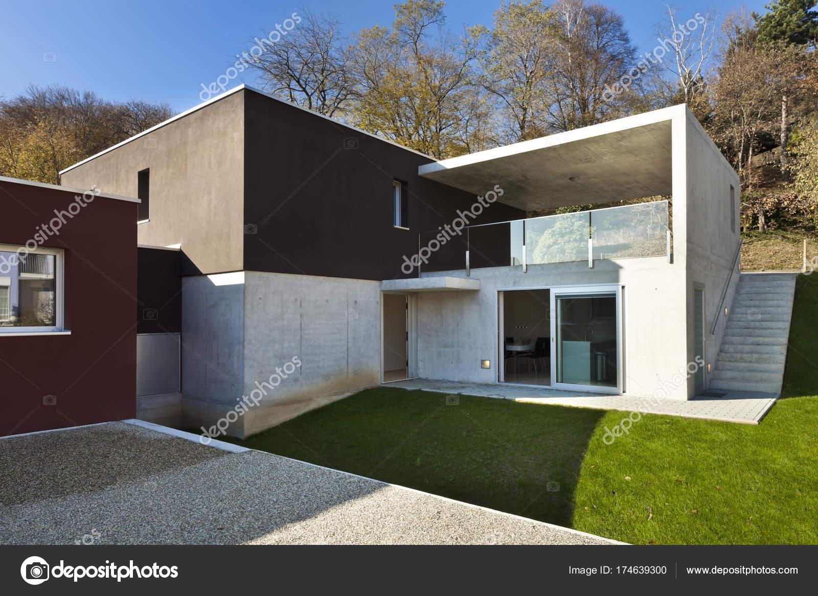 Moderne huis buiten u2014 stockfoto © zveiger #174639300