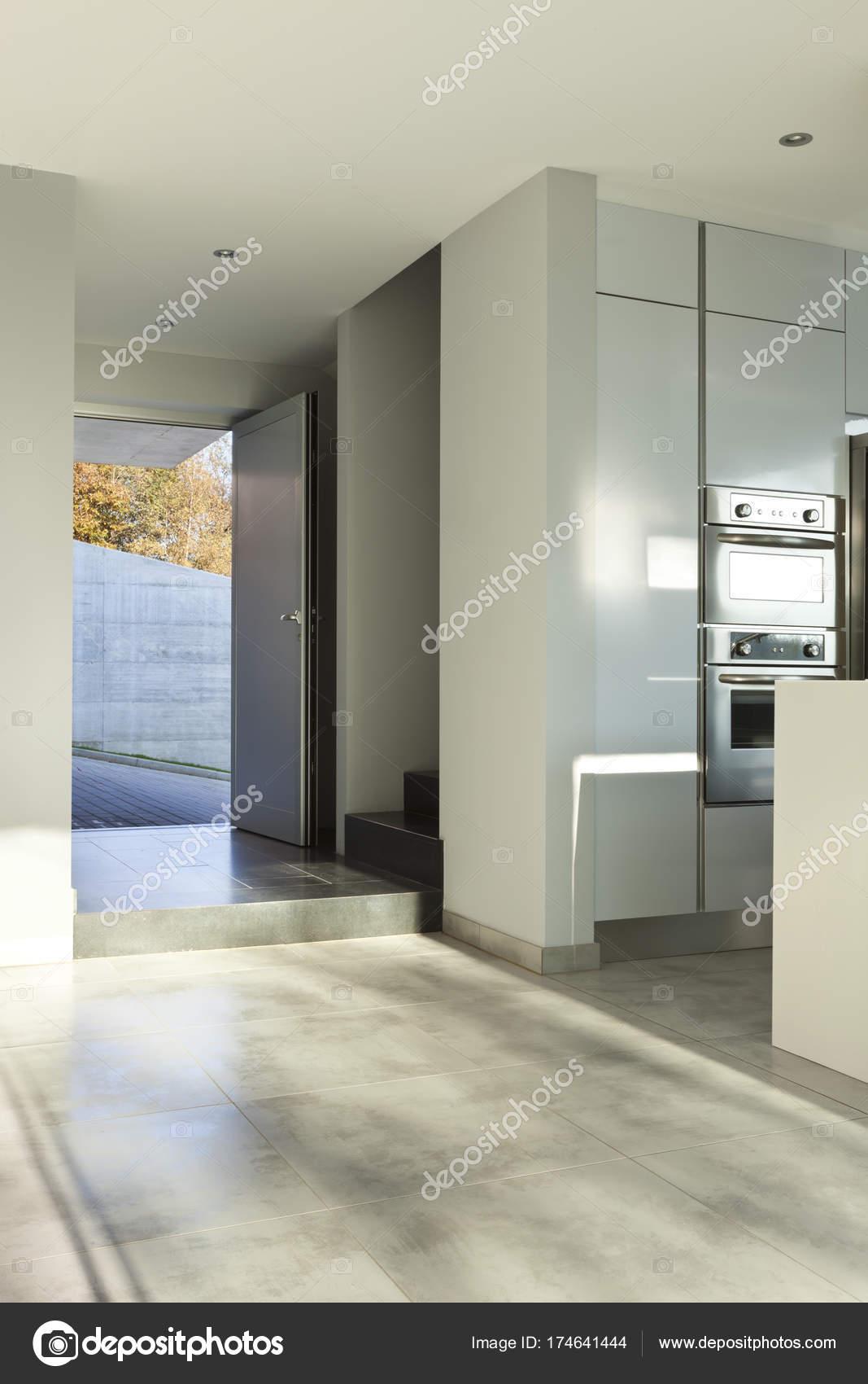 Modernes Haus Innenräume, niemand — Stockfoto © Zveiger #174641444