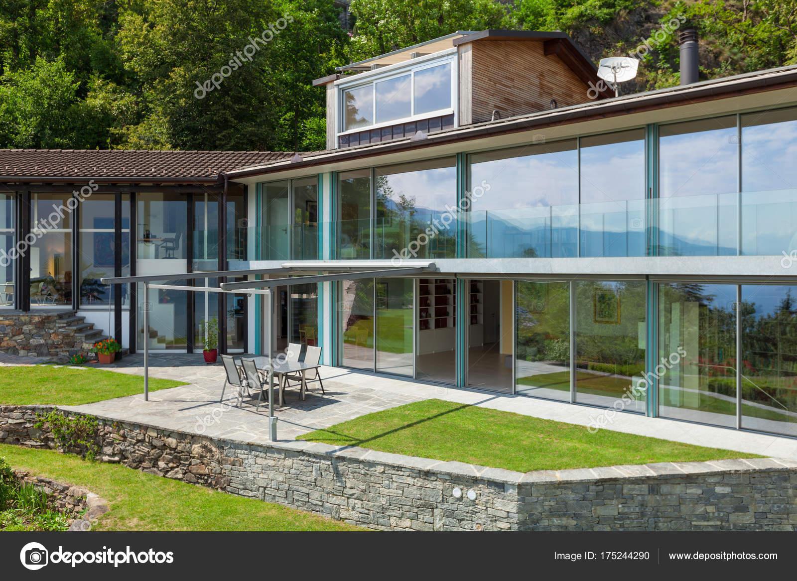 Architektur, Haus Außenansicht — Stockfoto © Zveiger #175244290