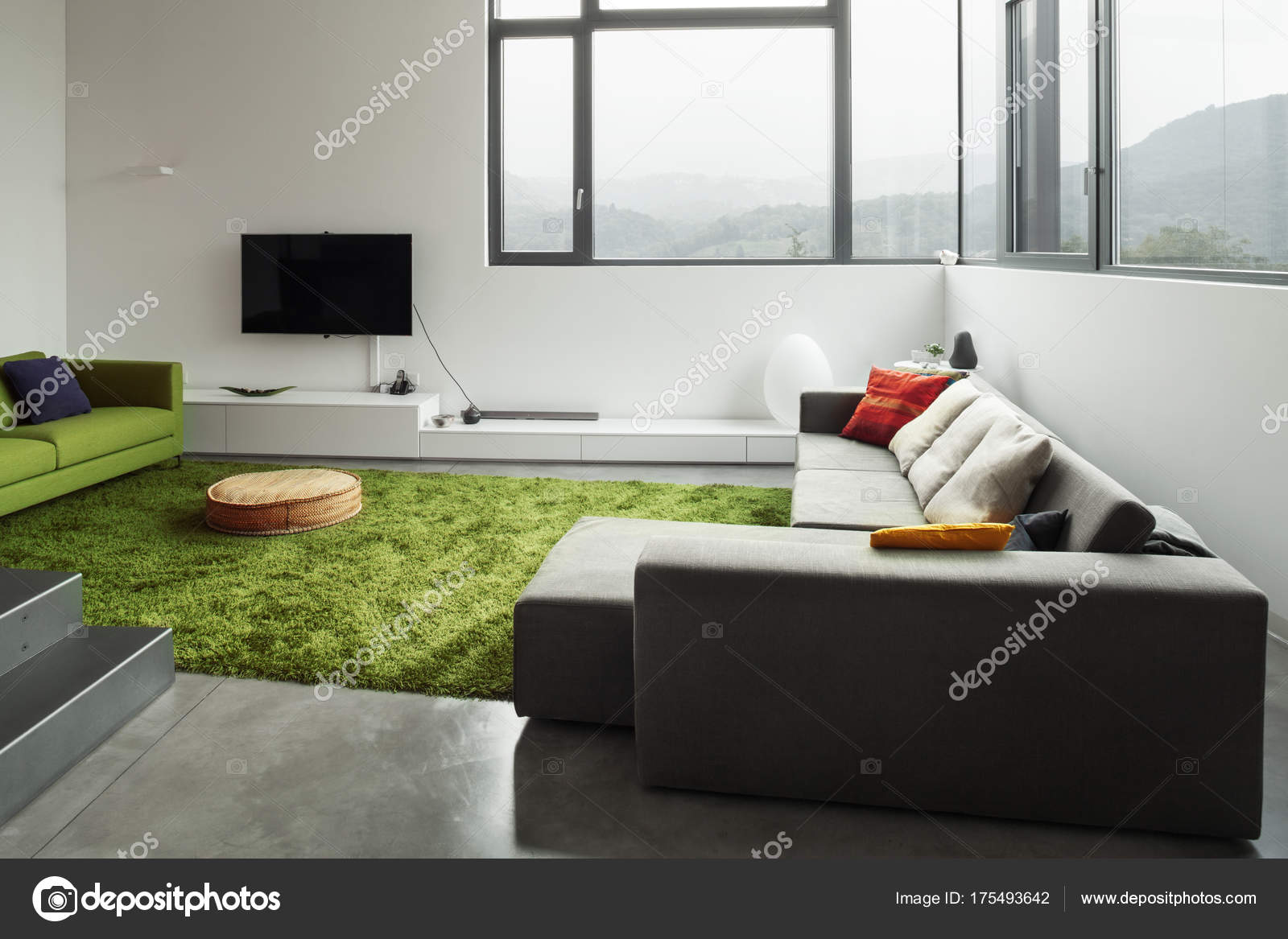Innenraum der moderne Villa, Wohnzimmer — Stockfoto © Zveiger #175493642