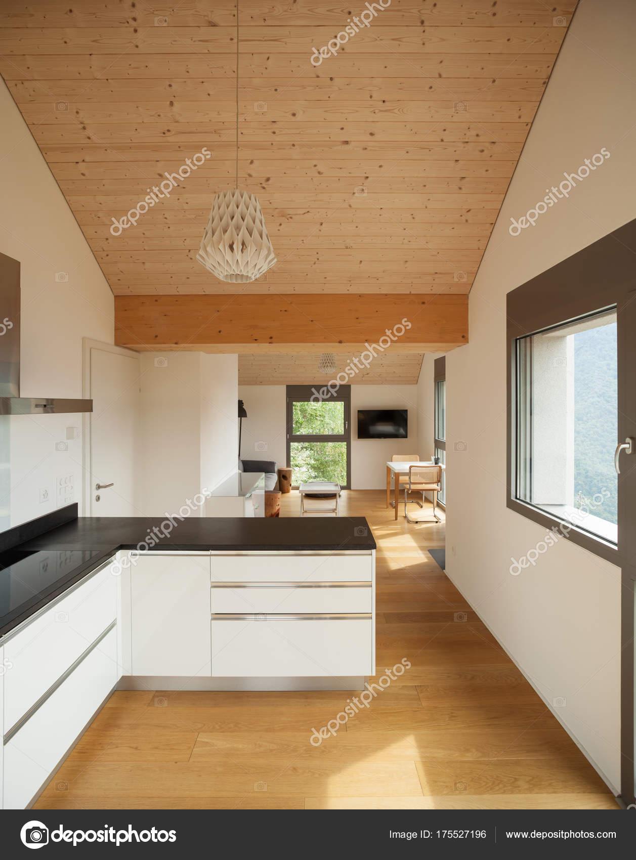 Modernes Haus, Design des Interieurs — Stockfoto © Zveiger #175527196