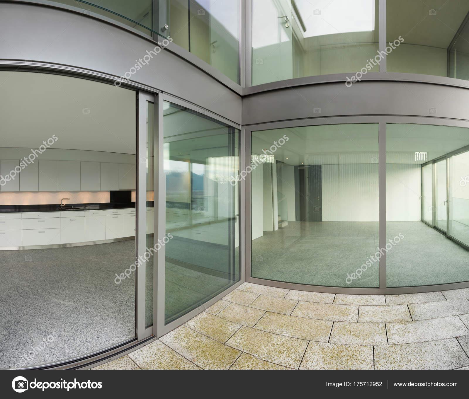Edificio Vista Desde La Terraza Foto De Stock Zveiger