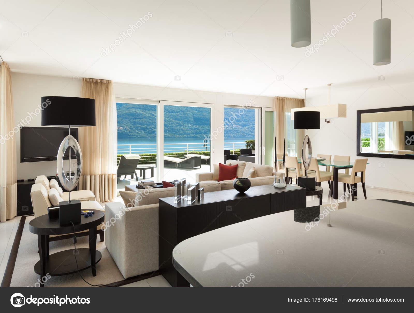 Interieur, moderne Wohnung — Stockfoto © Zveiger #176169498