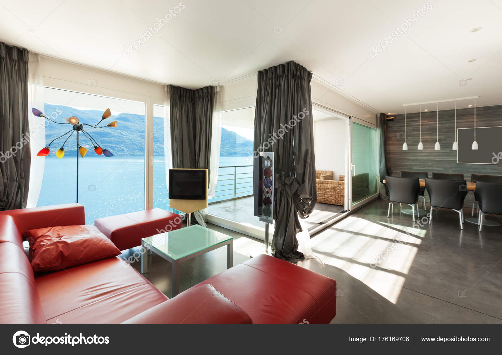 Interieur, moderne Wohnung — Stockfoto © Zveiger #176169706