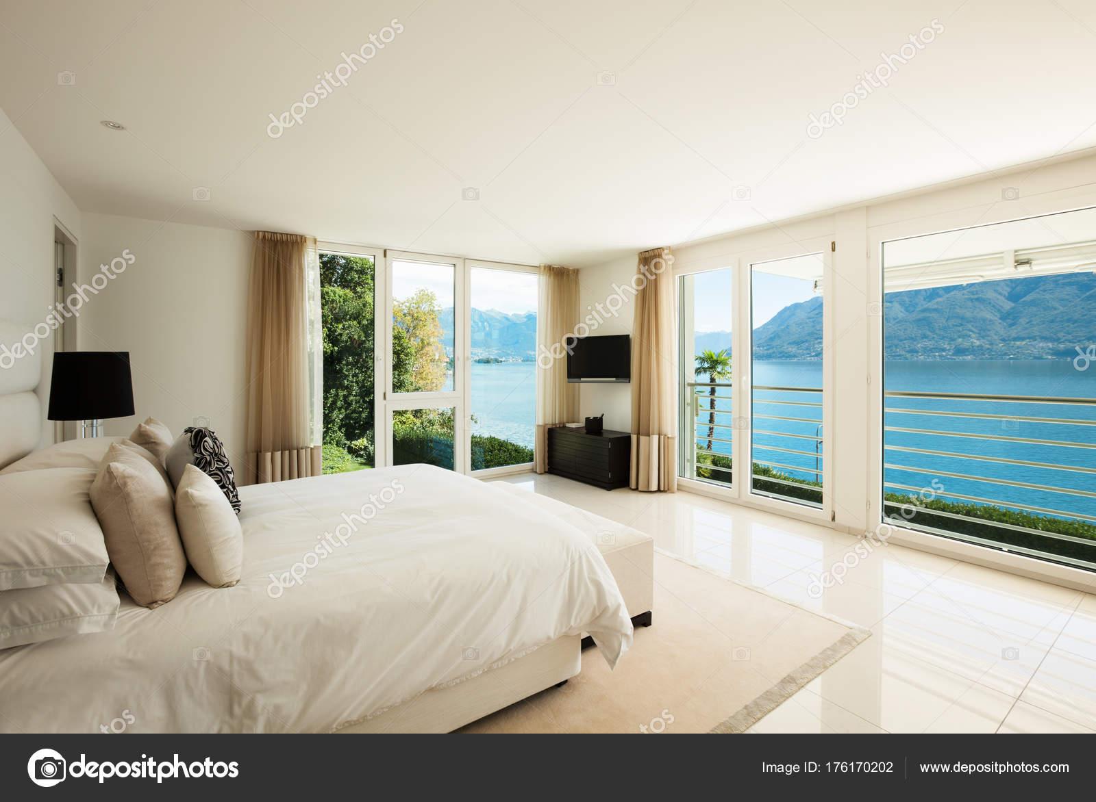 Moderne Innenarchitektur, Schlafzimmer — Stockfoto © Zveiger #176170202