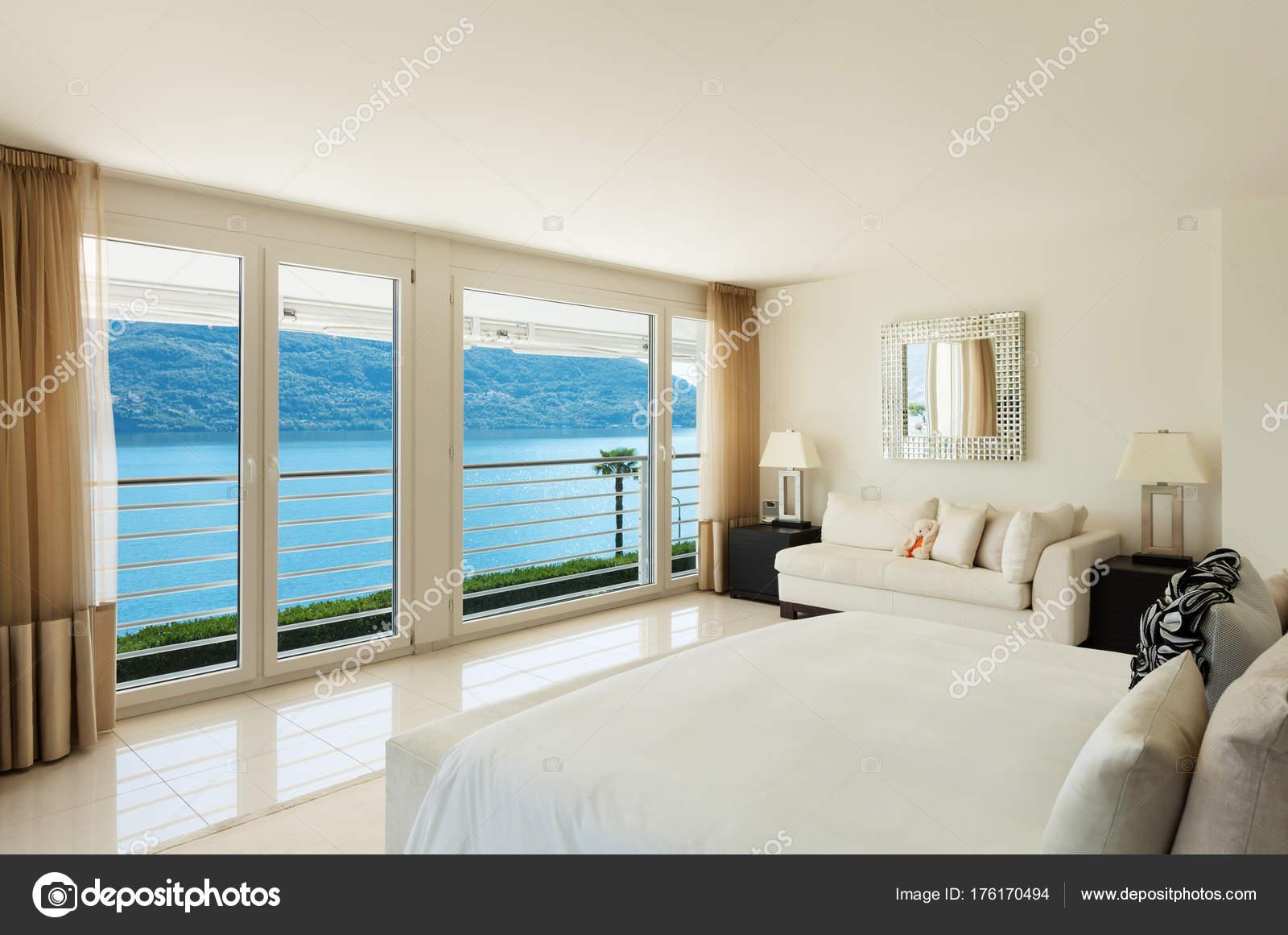 Modern interieur, slaapkamer — Stockfoto © Zveiger #176170494