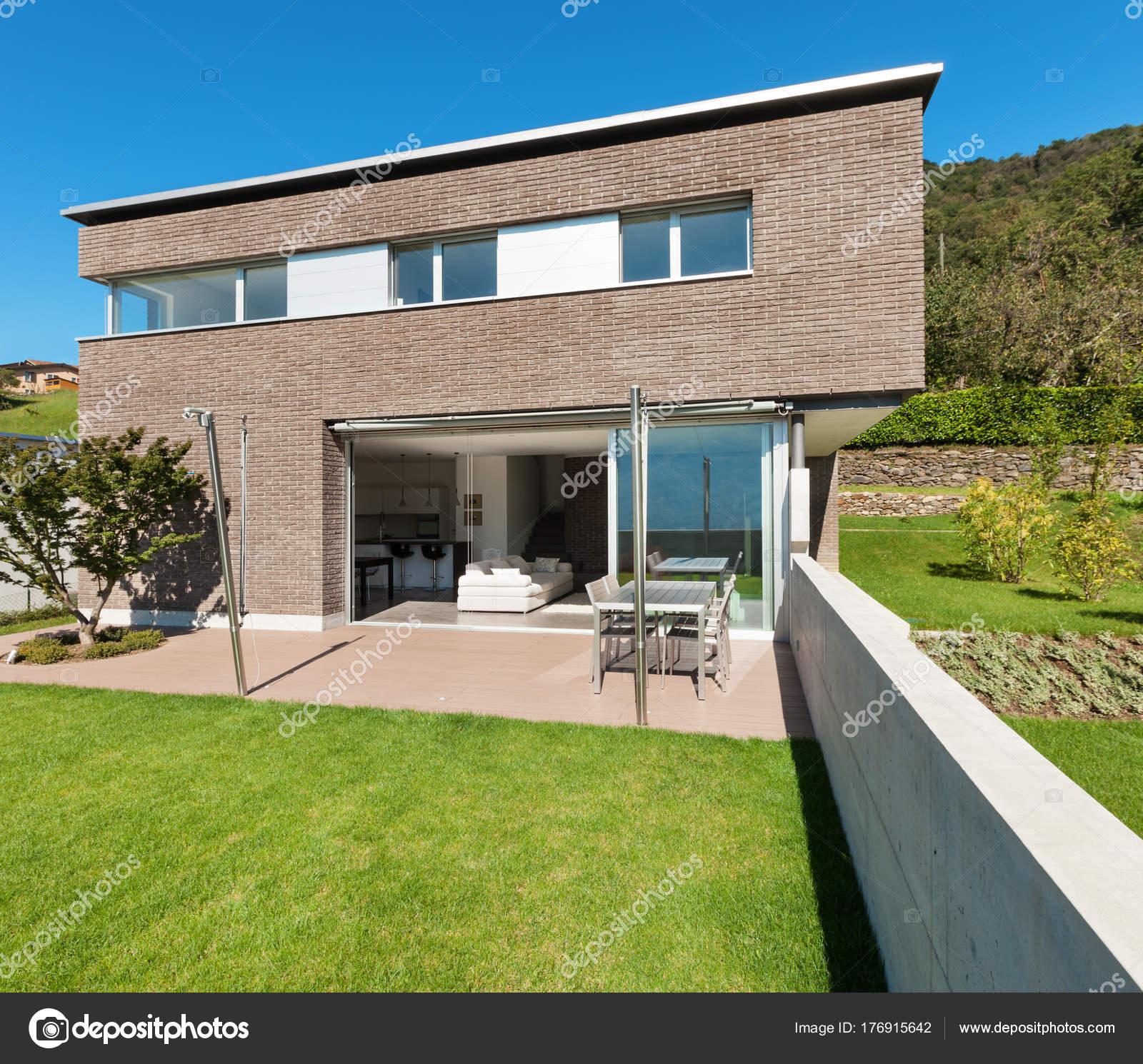 Moderne Architektur, Haus — Stockfoto © Zveiger #176915642