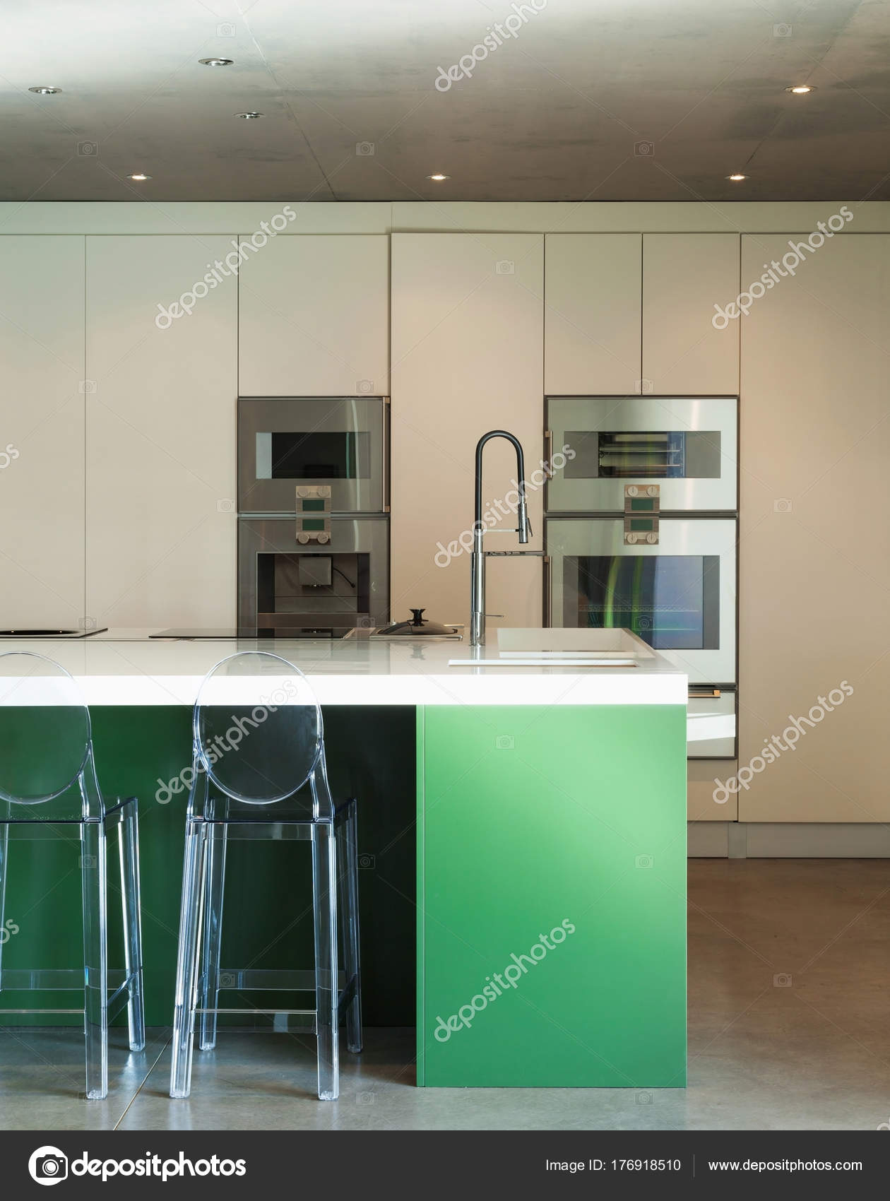 Attirant Modern House, Ikitchen U2014 Stock Photo