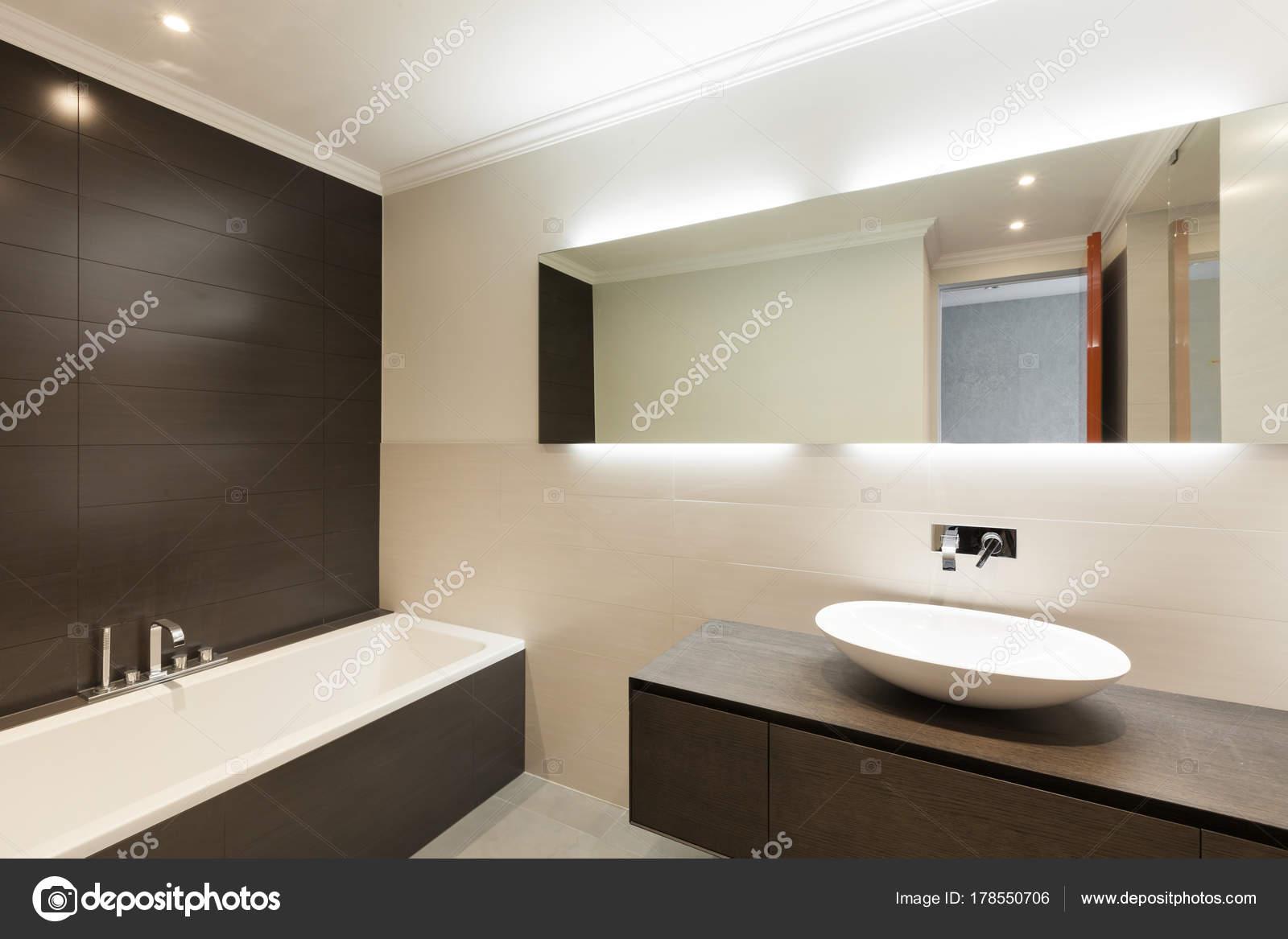 belle salle bains moderne vasque cramique miroir photo