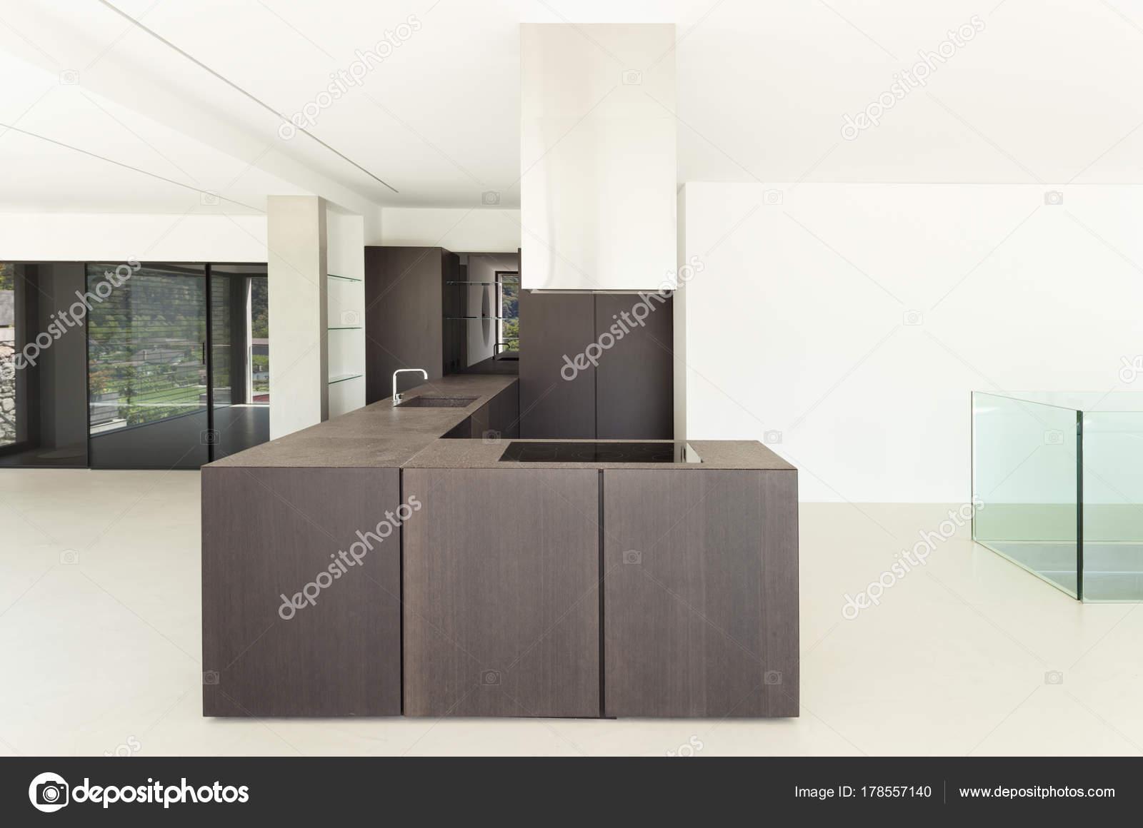 Neue Architektur Moderne Kuche Stockfoto C Zveiger 178557140
