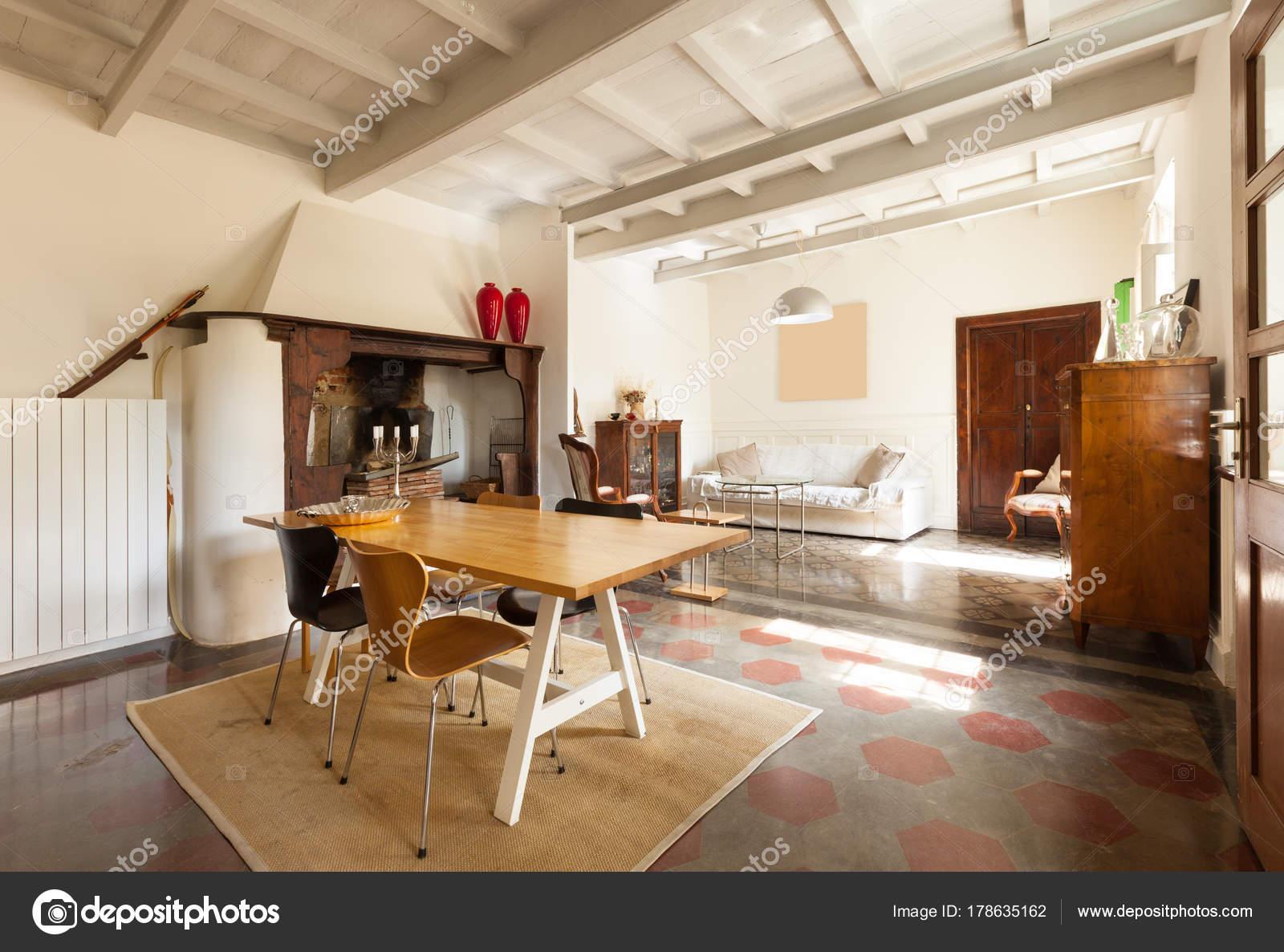 https://st3.depositphotos.com/2018053/17863/i/1600/depositphotos_178635162-stockafbeelding-comfortabele-eetkamer-voor-een-mooie.jpg