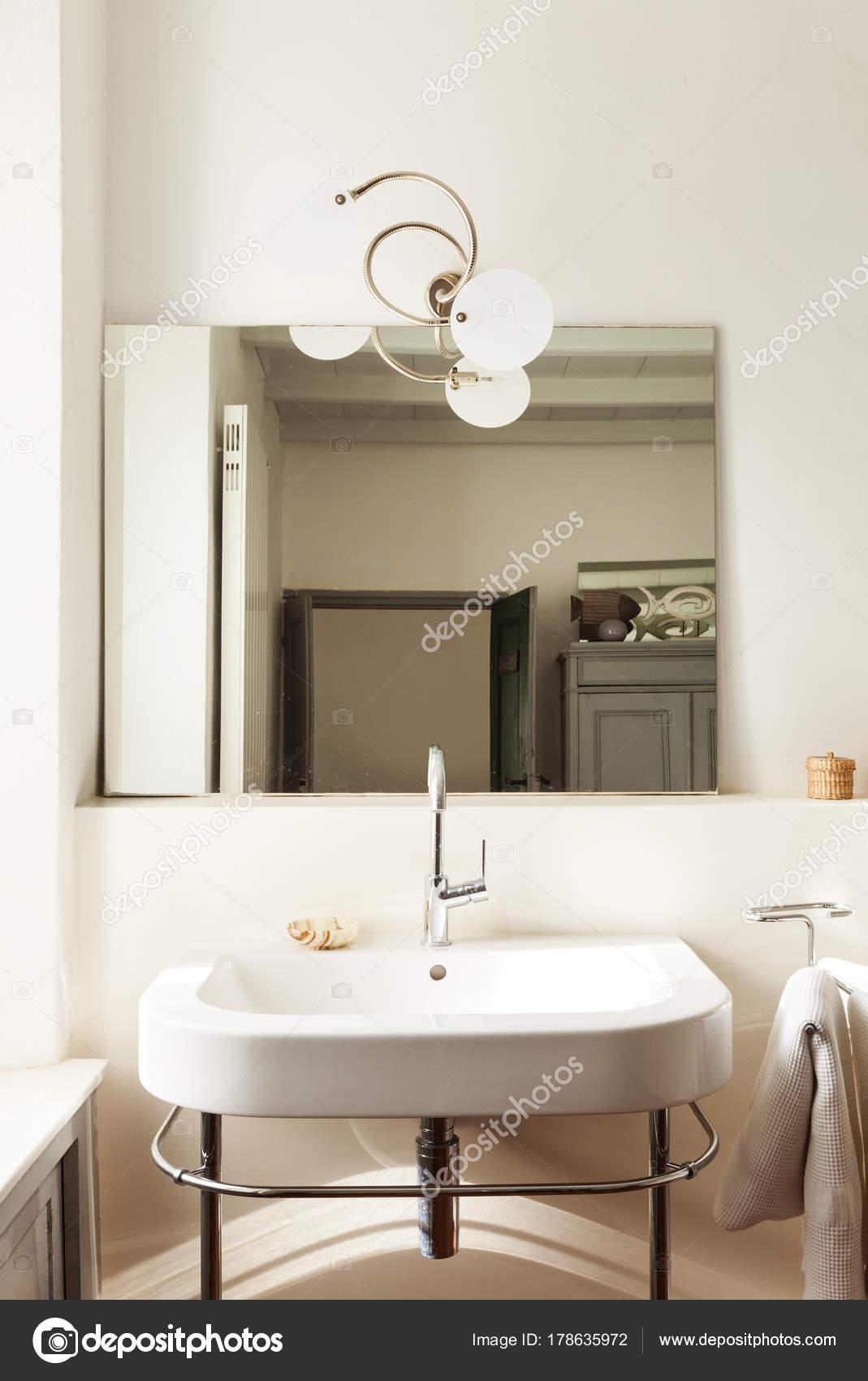 Wundervoll Schönes Bad Foto Von Schönes Badezimmer, Waschbecken, Interieur Ein Loft —