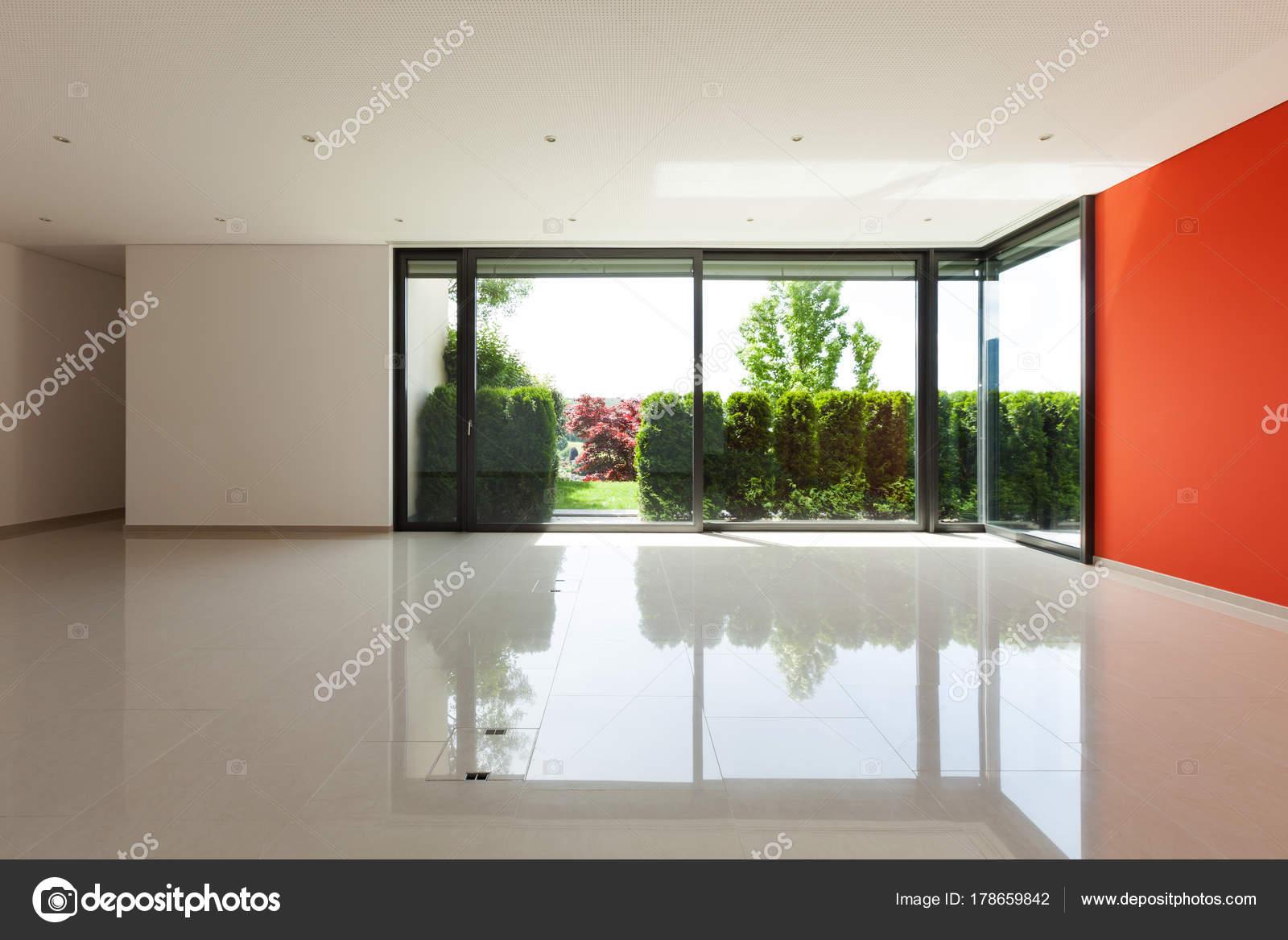 Innenraum, großes Wohnzimmer — Stockfoto © Zveiger #178659842
