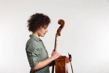 Portrait studio musician