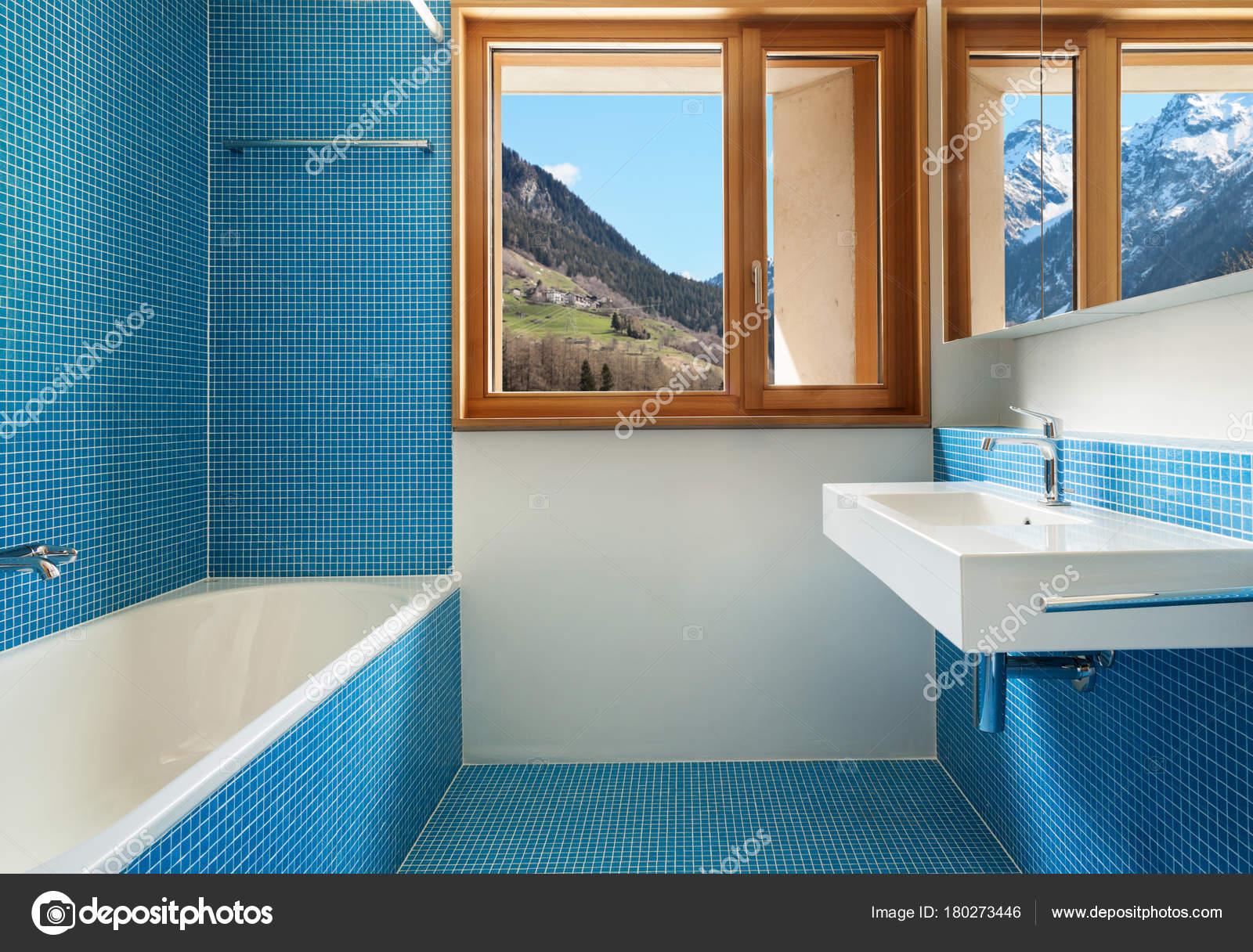 Haus Modernes Design Interieur Blau Bad — Stockfoto © Zveiger #180273446
