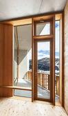 interiér, moderní dům s dřevěnou stěnu, okno
