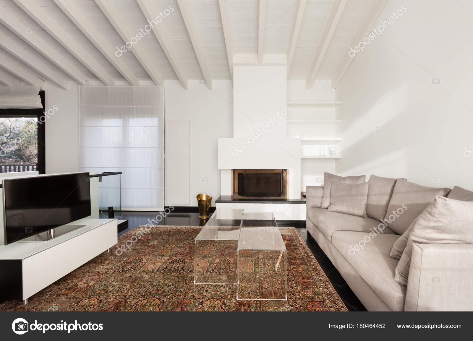 Wohngebaude Komfortable Loft Moderne Mobel Wohnzimmer Stockfoto