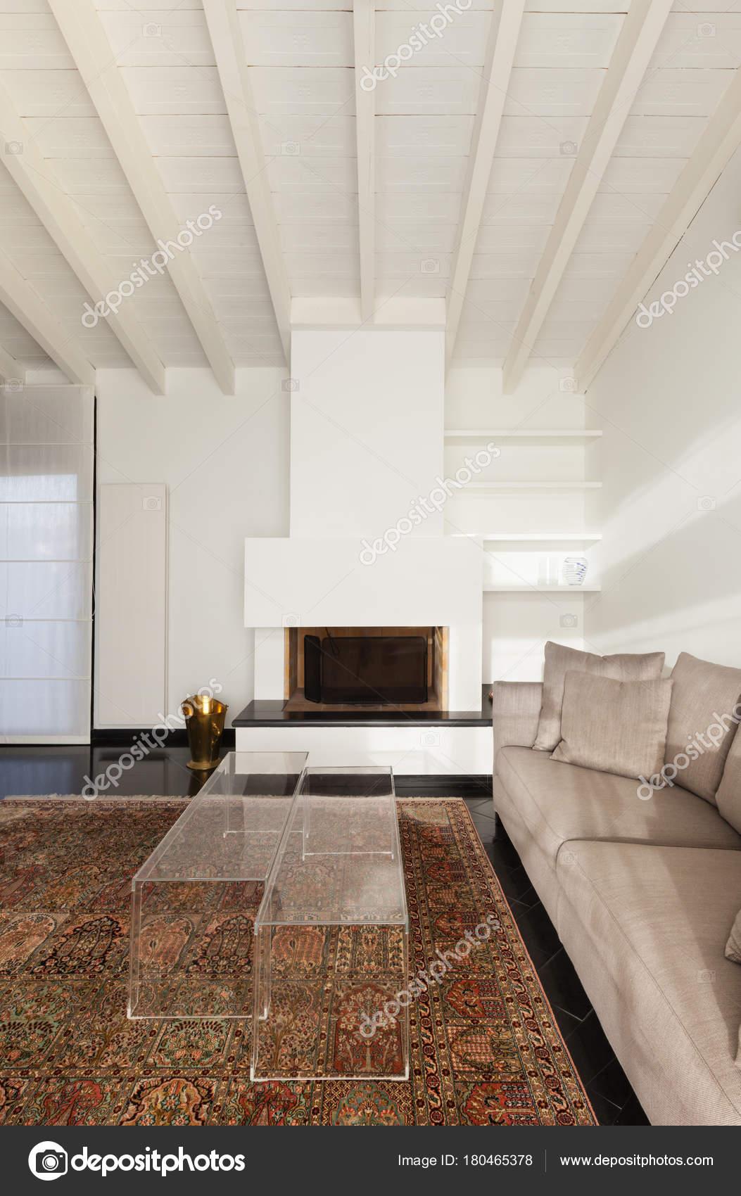 Wohngebäude Komfortable Loft Moderne Möbel Wohnzimmer — Stockfoto ...