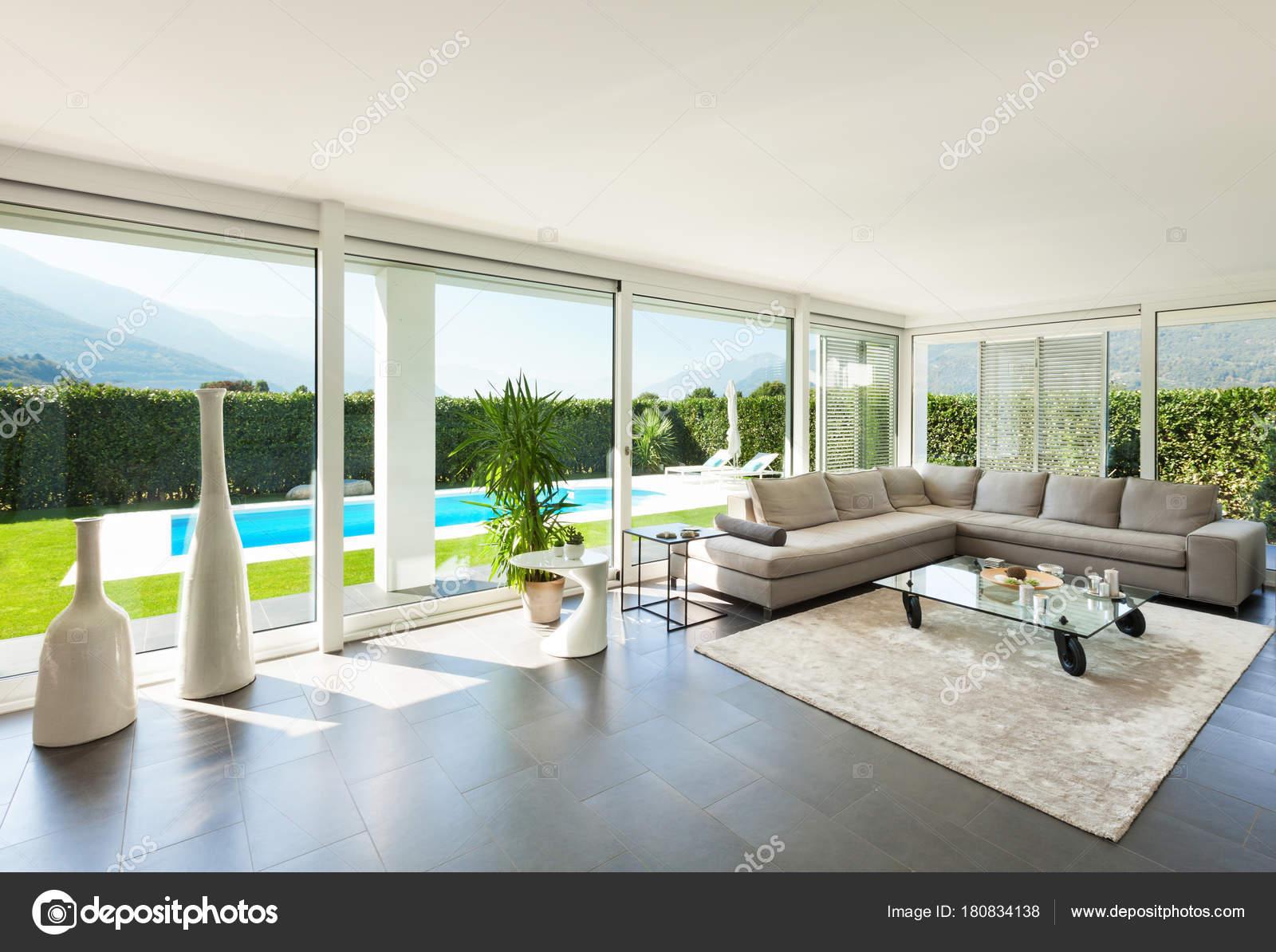 Casa moderna interni foto stock zveiger 180834138 for Arredamento interno casa moderna